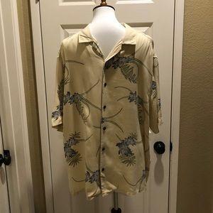 Axist Men's Silk Hawaiian shirt in EUC
